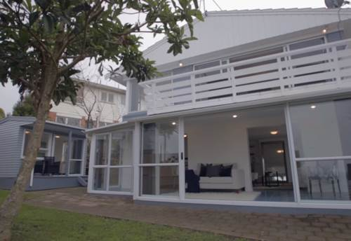 Meadowbank, LARGE STYLISH DUPLEX WITH SEA VIEWS, Property ID: 23002527 | Barfoot & Thompson