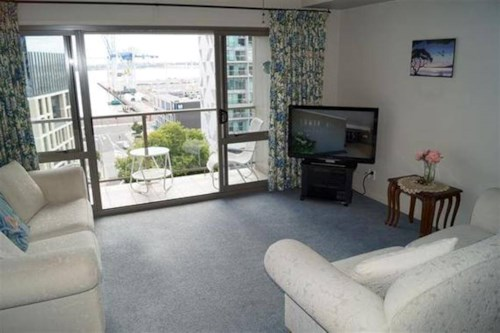 City Centre, Fully furnished apartment in one brilliant inner city location!, Property ID: 23002572 | Barfoot & Thompson