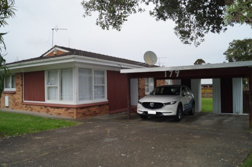 Pakuranga, Little beauty on Ti Rakau Drive, Property ID: 23002631 | Barfoot & Thompson