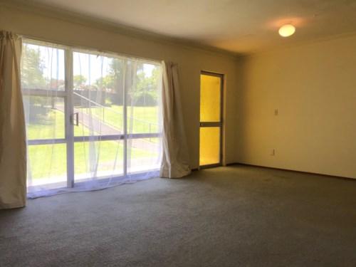 Pakuranga, 2 Bedroom Unit - Pakuranga, Property ID: 23003683 | Barfoot & Thompson