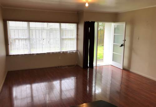 Pakuranga, 2 Bedroom Unit, Property ID: 23003698 | Barfoot & Thompson