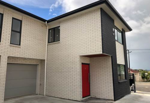 Pt England, Point England - 4 bedrooms, 2.5 Bathrooms - Near New!, Property ID: 23003766 | Barfoot & Thompson