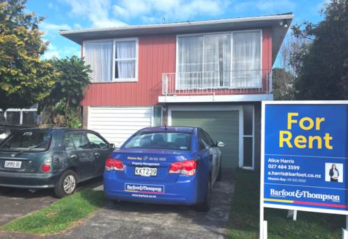 Mt Eden, SUNNY & SPACIOUS  ELEVATED HOME, Property ID: 23003780 | Barfoot & Thompson