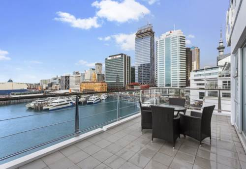 City Centre, FULLY FURNISHED WATERFRONT APARTMENT, Property ID: 23003843 | Barfoot & Thompson