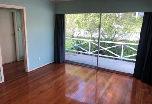 Pakuranga, Three Bedroom Home - Pakuranga, Property ID: 23003848 | Barfoot & Thompson