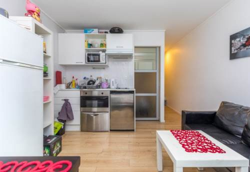 City Centre, 2 Bedroom City Apartmetn - Water Included, Property ID: 23003854 | Barfoot & Thompson