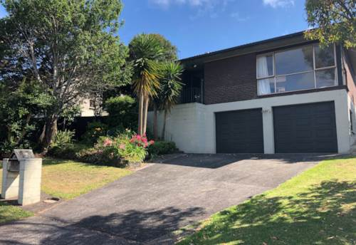 Howick, Family Home in zone for top schools, Property ID: 23003859 | Barfoot & Thompson