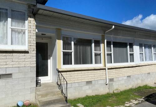 Te Atatu South, 2 bedroom unit with 1 bathroom., Property ID: 23003910   Barfoot & Thompson