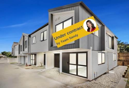 Pakuranga Heights, Brand New & Freehold -In Zone Pakuranga College, Property ID: 804629 | Barfoot & Thompson