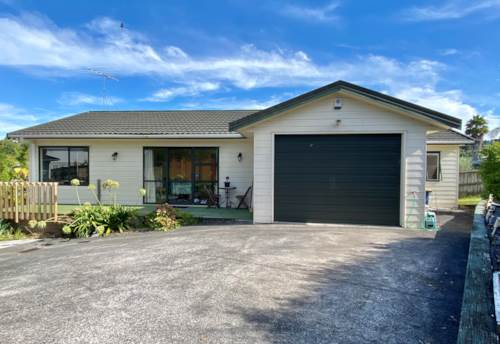 Massey, Situated in cul-d-sak family friendly , Property ID: 33000464 | Barfoot & Thompson