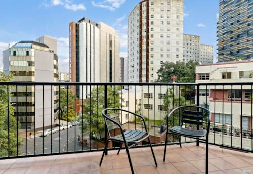 Grafton, Finally, A Comfortable Size One Bedroom Apartment!, Property ID: 810752 | Barfoot & Thompson