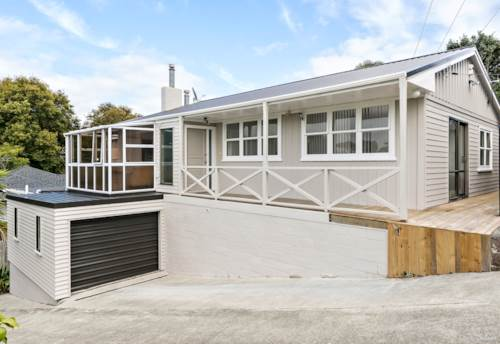 Glenfield, Double Westlake Zone, Granny Potential, Property ID: 810723 | Barfoot & Thompson