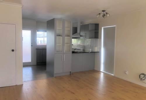 Greenlane, Newly Renovated! Double Grammar Zone , Property ID: 14001298   Barfoot & Thompson