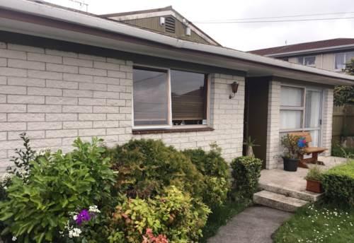 Mt Albert, SPACIOUS TWO BEDROOM UNIT IN MT ALBERT, Property ID: 24000714   Barfoot & Thompson