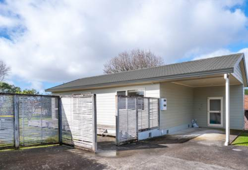Te Atatu South, Great Location, Property ID: 24000922 | Barfoot & Thompson