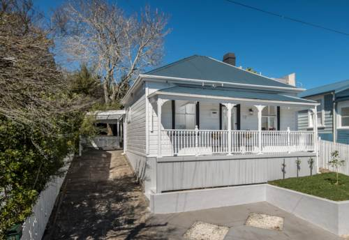 Kingsland, STUNNING RENOVATED 3 BEDROOM HOME IN KINGSLAND, Property ID: 24000935 | Barfoot & Thompson