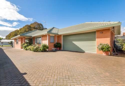 Royal Oak, Super size, Property ID: 24000996   Barfoot & Thompson