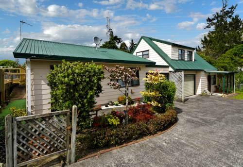 Te Atatu Peninsula, STANDALONE 1 BEDROOM UNIT, Property ID: 24001059 | Barfoot & Thompson