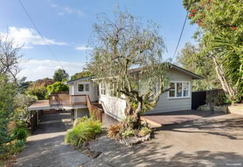 Stanmore Bay, LOVELY LIFESTYLE AWAITS!, Property ID: 810152   Barfoot & Thompson