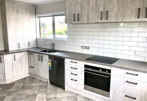 Onehunga, Nice and tidy, great location, move in before the New Year, Property ID: 24001089 | Barfoot & Thompson