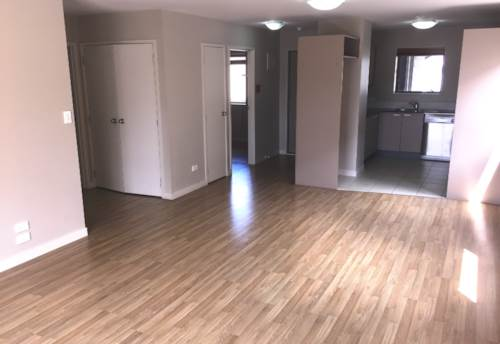 Mt Albert, SUNNY SPACIOUS 2 BEDROOM APARTMENT, Property ID: 24001108   Barfoot & Thompson