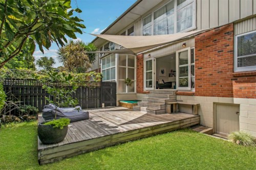 Mt Eden, Renovated and ready to go!, Property ID: 24001144 | Barfoot & Thompson