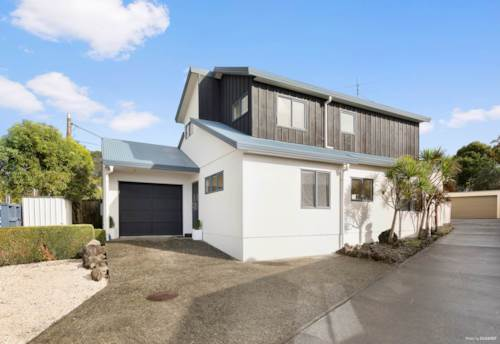 Mt Albert, Check out this location MAGS & Gladstone Primary School Zone, Property ID: 24001156 | Barfoot & Thompson