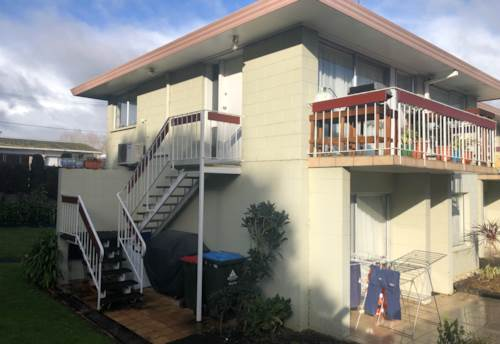 Remuera, Upstairs 2 bdrm Unit in Great Location , Property ID: 24001167 | Barfoot & Thompson