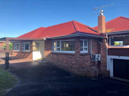 Titirangi, 4 BEDROOMS PLUS TWO ROOM SLEEPOUT, Property ID: 24001170 | Barfoot & Thompson