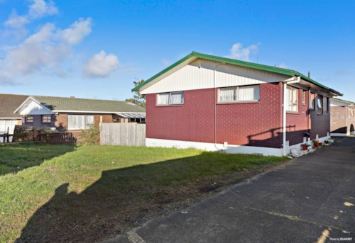 New Lynn, CUTE TWO BEDROOM HOME, Property ID: 24001179 | Barfoot & Thompson