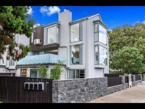 Epsom, LIVE BY CORNWALL PARK, Property ID: 24001201   Barfoot & Thompson