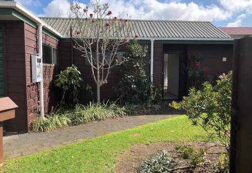 Pt Chevalier,  Light and bright townhouse, Property ID: 24002246 | Barfoot & Thompson