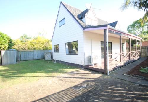 Mt Albert, RENOVATED 4 BEDROOM HIDDEN AWAY, Property ID: 24002269 | Barfoot & Thompson