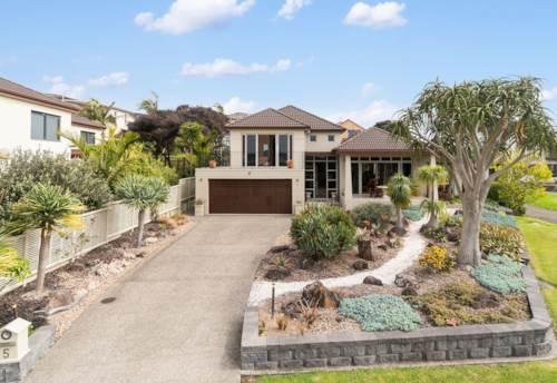 Te Atatu Peninsula, LOCATION, LOCATION, PARK AND WATER VIEWS, Property ID: 24002287 | Barfoot & Thompson