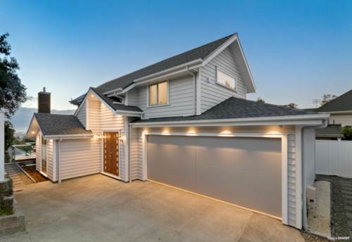 Mt Eden, Luxury Rental with Panoramic Views in DGZ, Property ID: 24002312 | Barfoot & Thompson
