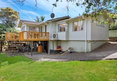 Glenfield, So much space, what a place!, Property ID: 810109 | Barfoot & Thompson