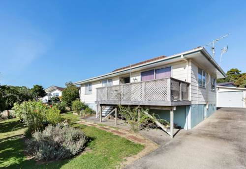 Unsworth Heights, Vendors on the move, Property ID: 810573 | Barfoot & Thompson