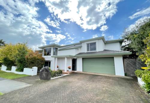 Howick, 35 Clydesdale Ave, Northpark, Auckland, Property ID: 72000693 | Barfoot & Thompson