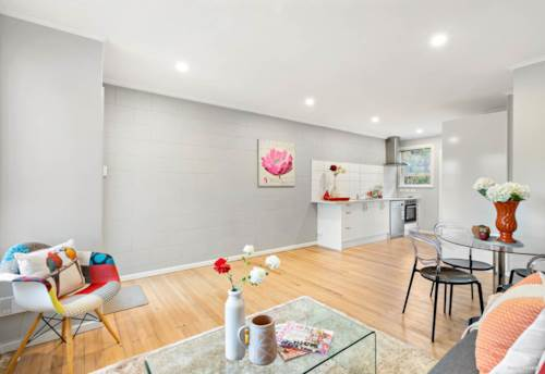 New Lynn, 2 bedrooms and 1 bathroom, Property ID: 48001883 | Barfoot & Thompson