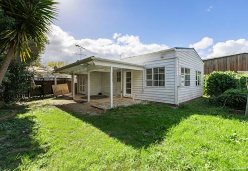 Northcote, Do-up Opportunity in central Northcote, Property ID: 806391 | Barfoot & Thompson