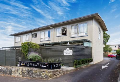 Mt Eden, Refurbished, centrally located, north facing., Property ID: 25000622 | Barfoot & Thompson