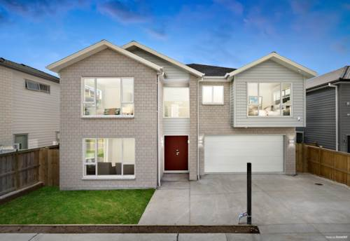 Flat Bush, Luxury Family home with 2 Legal kitchens and 5 En-suites!, Property ID: 810826 | Barfoot & Thompson
