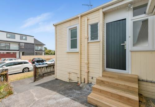 Mt Eden, Fully renovated one bedroom with office., Property ID: 25000657 | Barfoot & Thompson