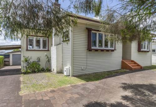 Three Kings, Clean and tidy three-bedroom bungalow Three Kings, Property ID: 30004794 | Barfoot & Thompson