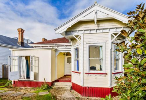 Balmoral, Location, with private north facing garden, Property ID: 25000678 | Barfoot & Thompson