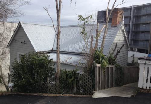 Eden Terrace, One Bedroom cottage., Property ID: 25000679 | Barfoot & Thompson
