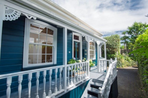 Mt Eden, Double Grammar Zone character villa, Property ID: 25000736   Barfoot & Thompson