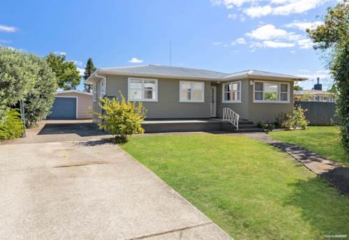 Papakura, Newly painted & finished property waiting for right tenants to move in, Property ID: 85002258 | Barfoot & Thompson