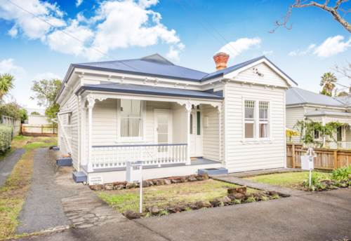 Mt Eden, Converted Villa, Property ID: 25000783 | Barfoot & Thompson