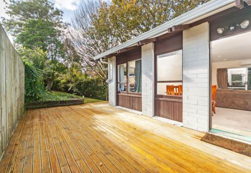 Mt Roskill, Secluded and Elevated, Property ID: 25000811 | Barfoot & Thompson